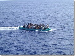 Arrivo_di_migranti_nel_mare_di_Lampedusa_-_Arrival_of_immigrants_in_the_sea_of_Lampedusa,_Italy