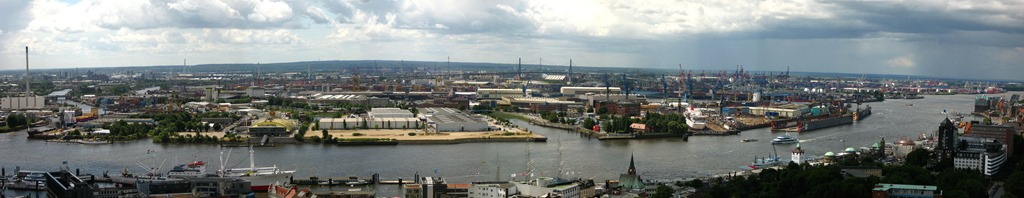Port_hamburg_panorama.jpg